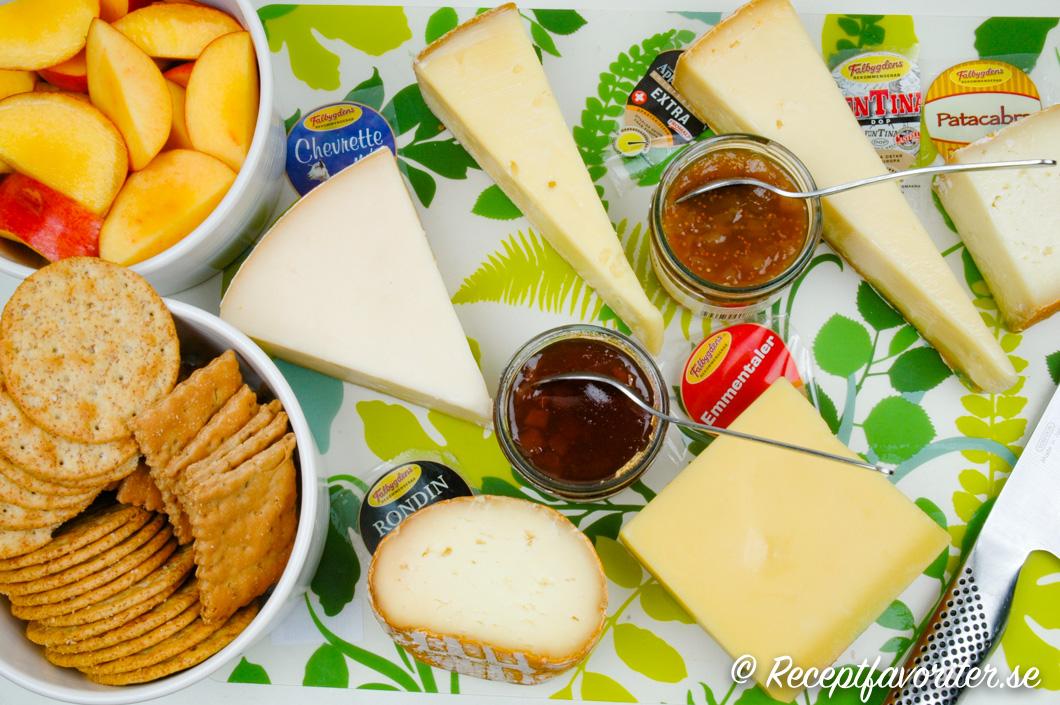 Några ostar som passar till ostbrickan
