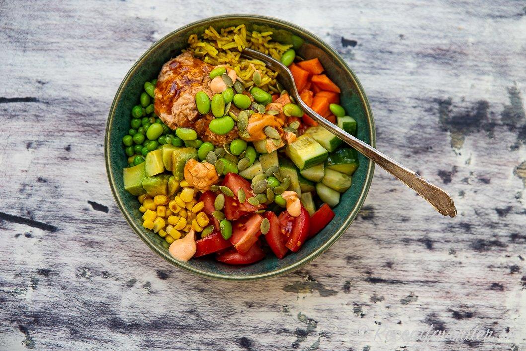 Salladsbowl med tonfiskröra