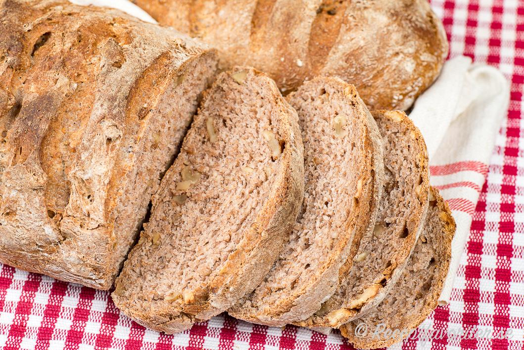 Valnötter ger god smak i brödet eller limpan