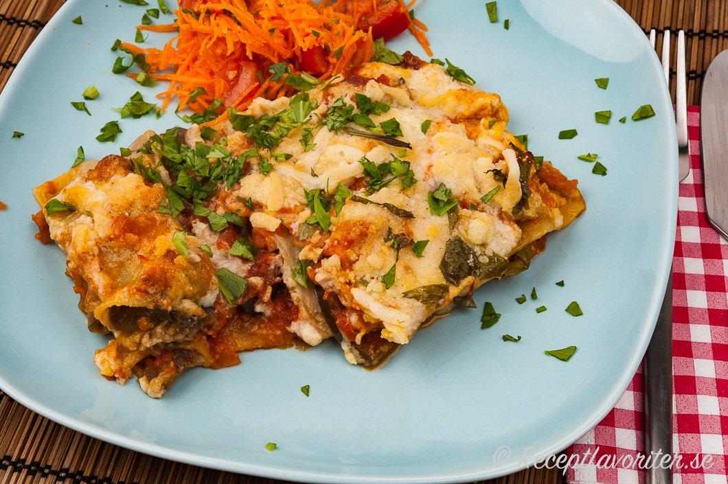 Vegan lasagne på tallrik