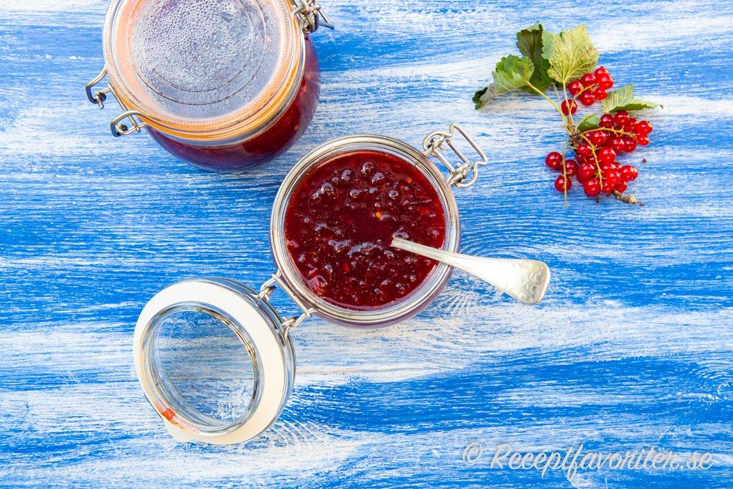 Vinbärschutney i burk